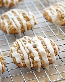a delicious cookie with a maple syrup icing... superbly autumn